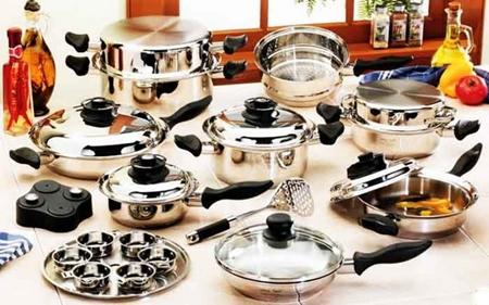 Сковорідки, каструлі, чайники